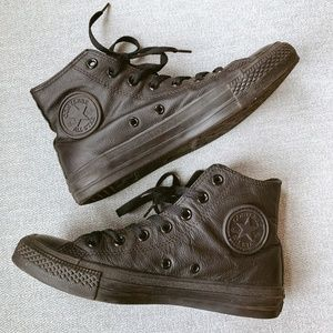 Converse Chuck Taylor All Star Leather Hi Top 7.5